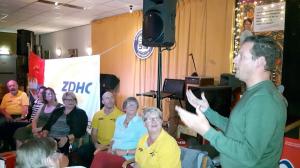 Eric Willems van de NPZ/NRZ houdt een toespraak voor het ZDHC kader